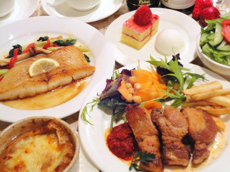 夕食、洋食コース料理
