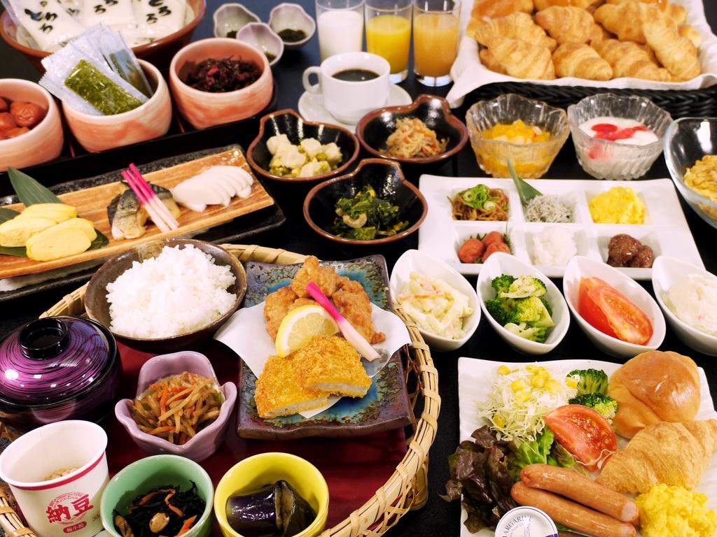 朝食は広島の和洋バイキング