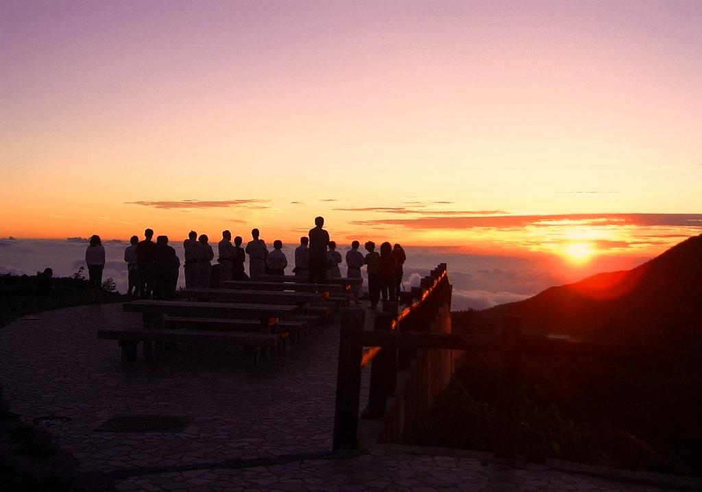 雲海に沈む夕陽2