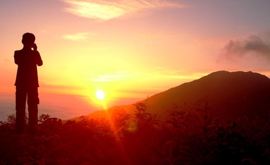 雲海に沈む夕陽