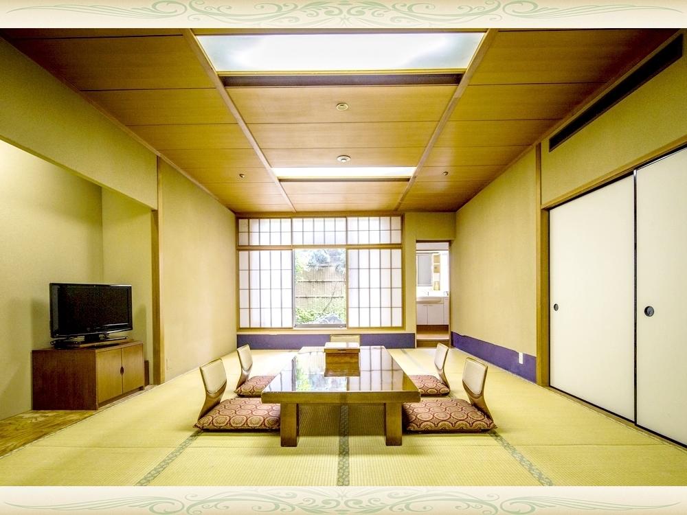 和室(定員6名様、バス・トイレセパレート)/ご家族・グループでのご利用に最適♪