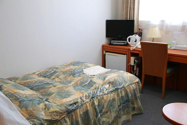 シングルルーム125�pセミダブルベッド