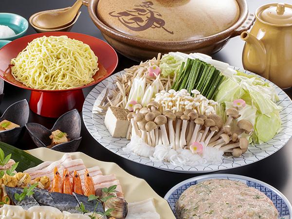 夕食は、ちゃんこ鍋(4人前のイメージです)