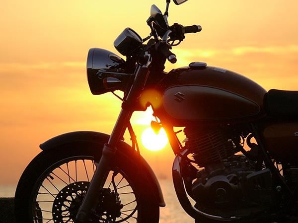 屋根付き駐輪場でバイクも安心☆