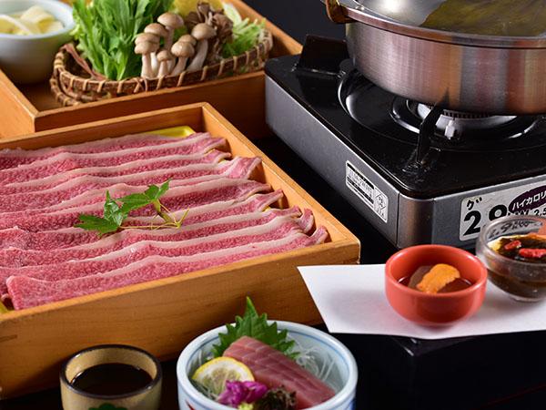 ご夕食は、お部屋にて。<豊後牛しゃぶしゃぶ鍋>をご準備いたします。