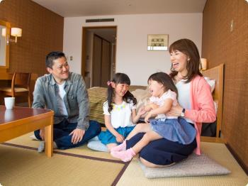 新緑の北軽井沢!4月・5月3名以上がお得!1泊2食バイキングお一人様9,750円~