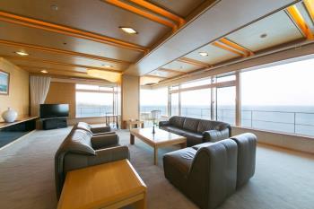 【山上館貴賓室】海抜80mお部屋からは270度以上のパノラマ♪豪華伊勢海老ハーフバイキングプラン