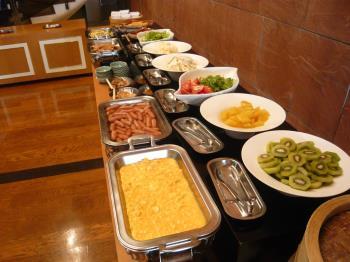 【公式サイト限定★日にち限定★特別価格】オータムSALE!!40種類の朝食和洋バイキング×12:00レイトアウト◎