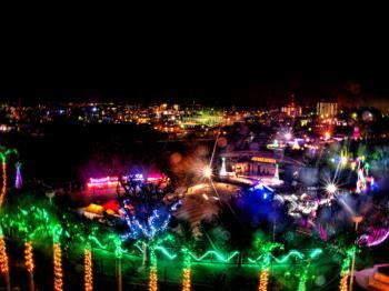 【クリスマスファンタジー入場券付】沖縄こどもの国で年末年始イルミネーションイベント開催♪(朝食付)