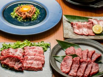 【夕朝食付★焼肉ディナー】海を望む最上階レストランでディナーを愉しむ♪~選べる会場(和食or洋食)ブッフェ朝食付~