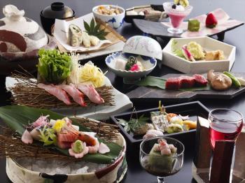 【日帰り昼食プラン】~気軽に日帰りでより優雅な旅気分~〈季節の会席料理デラックス〉