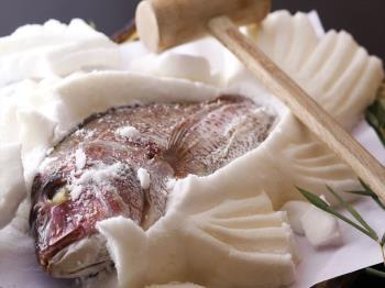 お祝いのご旅行にオススメ☆人気の一品「鯛の塩釜焼き」付きプラン