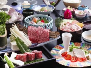 【ご当地グルメを堪能♪】姫路和牛&播州百日鶏&姫路グルメポーク桃色吐息を味わう