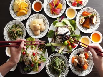 〈日帰り昼食 ダイニング康貴〉地元野菜やお惣菜が食べ放題☆農家野菜BAR