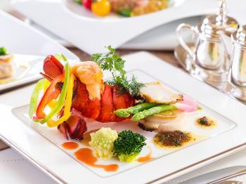 ご夕食口コミ4.0以上!A5ランク牛またはオマール海老を一押し旬の創作料理をご用意
