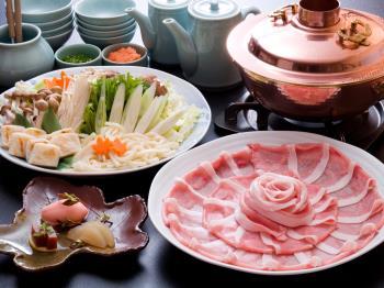 【ルームサービス】お部屋で食べる信州のぬくもり鍋 ~科乃豚鍋のお部屋食~【朝食もお部屋で】