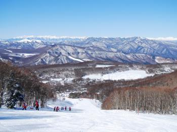 【スキー・スノボ選べるリフト券付】すき焼きをはじめ4種類から選べるケータリング