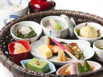 1日限定30食!旬の野菜で作る「野菜朝食」プラン