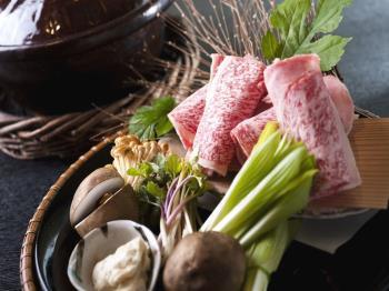 【料理長厳選】和牛香味鍋懐石を堪能