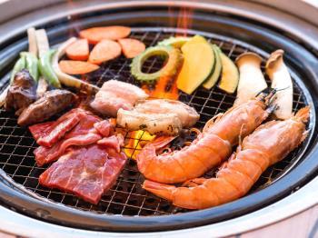 【★8-9月スペシャルプライス★】\ナイトプールも開催中♪/ガーデンプールで夏を満喫!BBQが楽しめる選べる夕食♪/夕朝食付