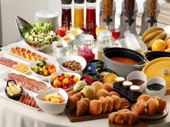 【シンプルステイ/朝食付】朝食は焼き立てパンや道産食材、和洋80種以上のバイキングで♪