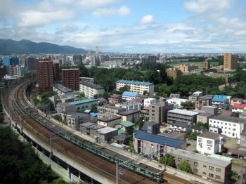 【お部屋の窓から電車観察/朝食付】~お部屋から札幌駅に出入りする電車を眺められる線路側客室確約~