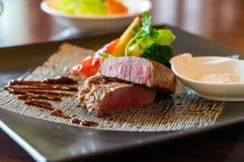 夏限定!夕食は豪華な千屋牛ステーキのお得な倉敷観光プラン!