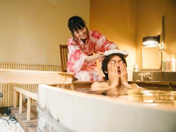【カップル/ご夫婦】笑顔こぼれる、ふたり時間~デザイン浴衣&貸切露天風呂1回付~