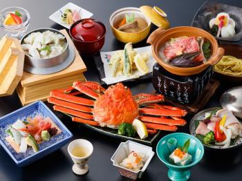 【かに姿盛り】まるごと一杯蟹姿盛り付・季節会席で北陸の味覚を贅沢に味わう