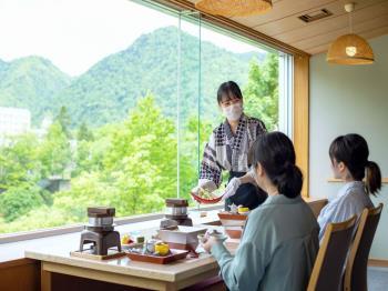 【連泊でお得にゆったり】2泊目昼食に和食会席弁当付き【章月おもてなし夕食膳】