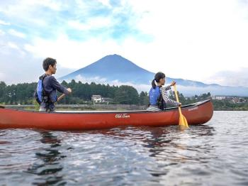 【アクティビティ体験】河口湖でモーニングカヌーを体験 翌朝7時スタート/1泊2食お食事付き