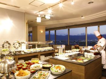 .《HPだけの【期間限定】お値打ちプラン》ご夕食は最上階で和洋中40種類以上【バイキング】.