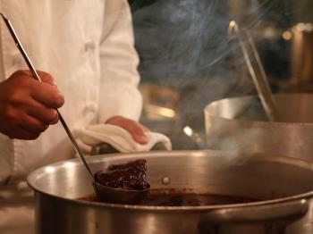 【味なまつり・冬】冬の味覚盛りだくさん!コックオーヴァンとバターライスなど/グランシャリオ