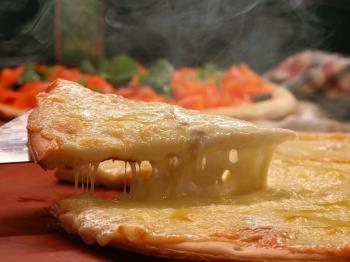 <早期予約60>【味なまつり・冬】冬の味覚盛りだくさん!道産チーズのクワトロフォルマッジとスモークサーモンのピザなど/グランシャリオ