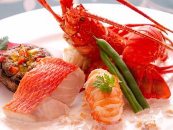 【大人の休日】伊勢海老&金目鯛の特別ディナー&スパークリングワイン飲み放題