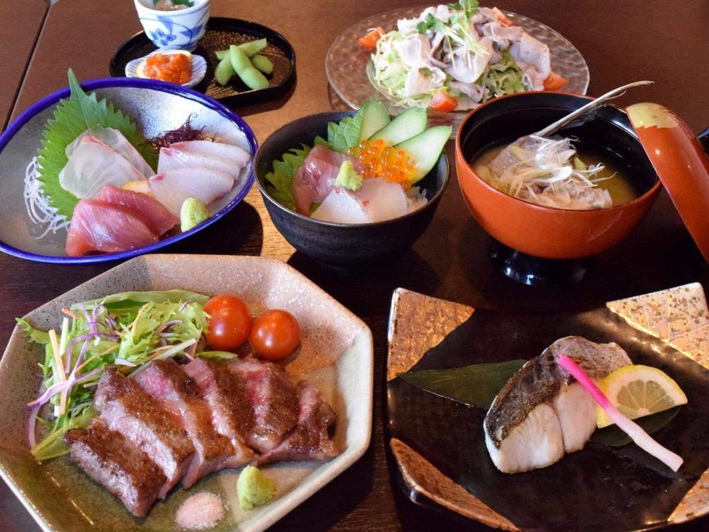 宮崎牛ステーキ&海鮮ドーン!!