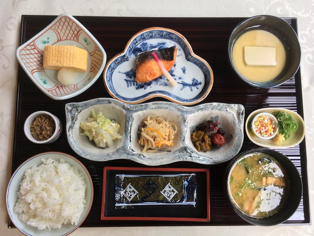 「おとうふ」など京都らしい朝を堪能できる和食