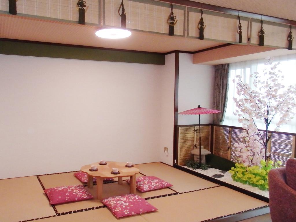 1室限定!SAKURA(桜)ルームでチェリークリスマス♪室内の庭園でお花見も!
