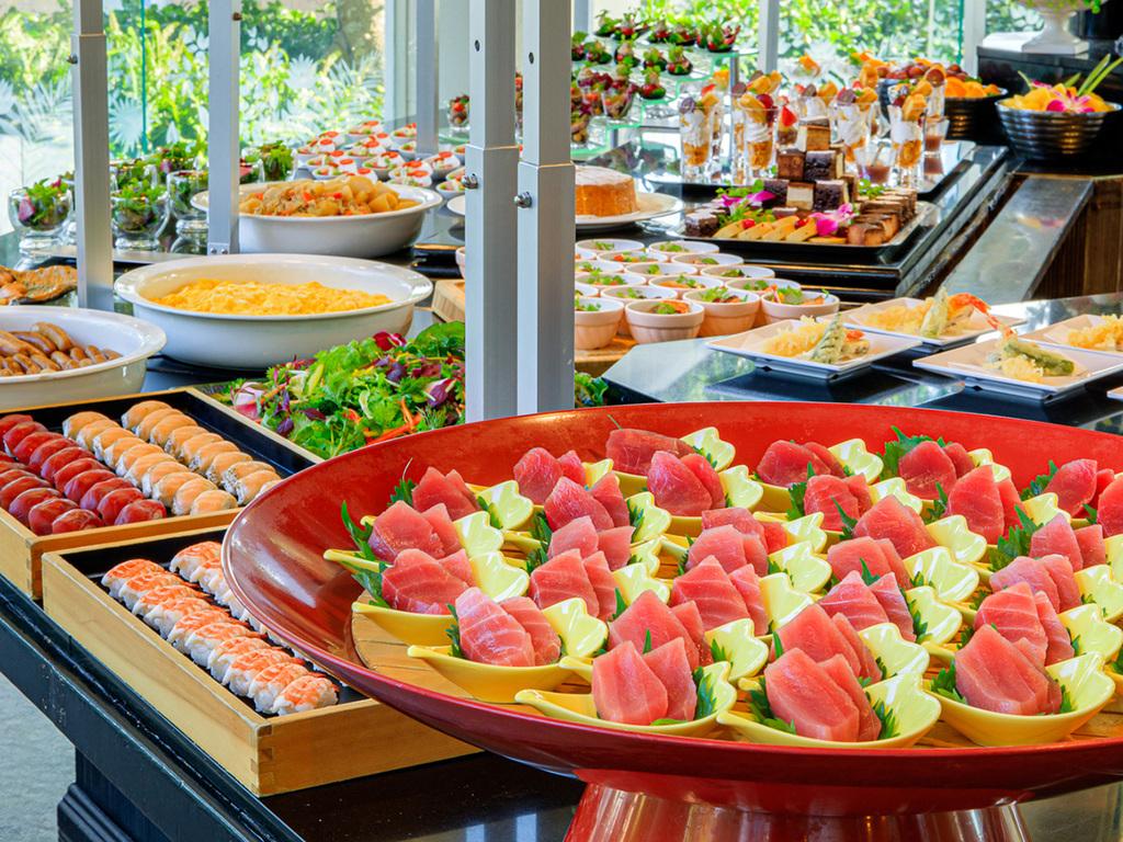 三崎港直送マグロは定番人気♪(バイキング以外のお食事になる場合があります)