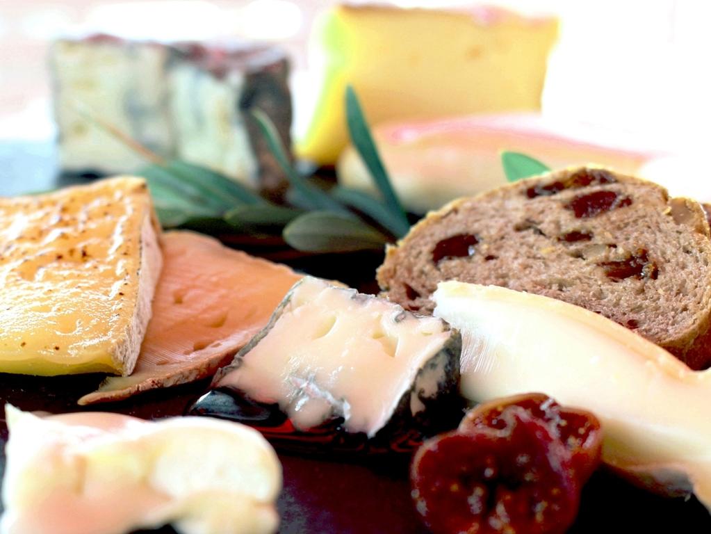 千葉県内で丁寧に作られているチーズをお楽しみ下さい!