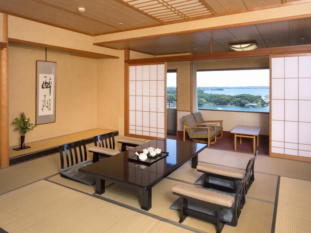 大浴場にも近い12.5畳の広々とした「華陽(かよう)棟」客室※写真は一例です。