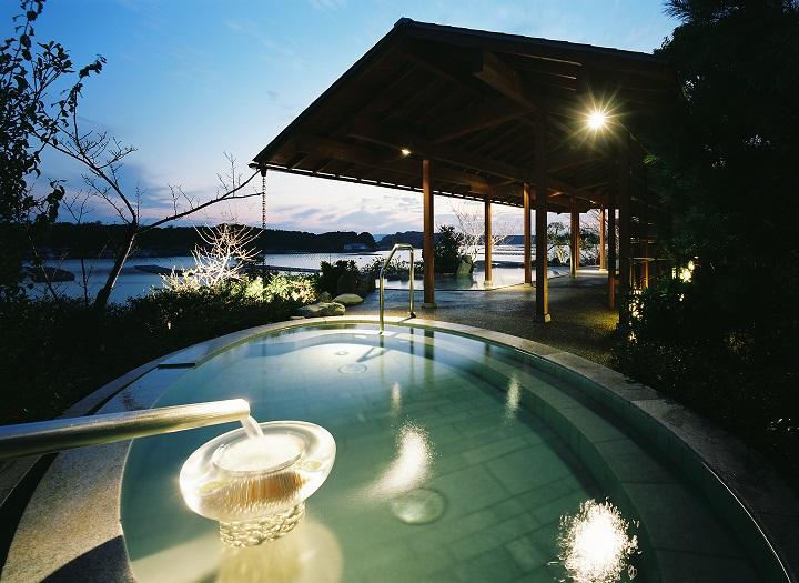 夜の庭園露天風呂からは伊勢志摩の星空を♪
