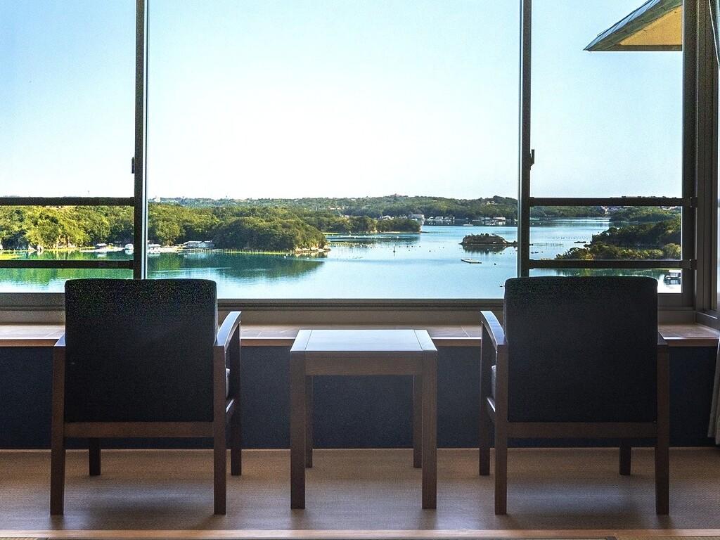 お部屋からの英虞湾の風景(燦陽棟リニューアル客室 一例)