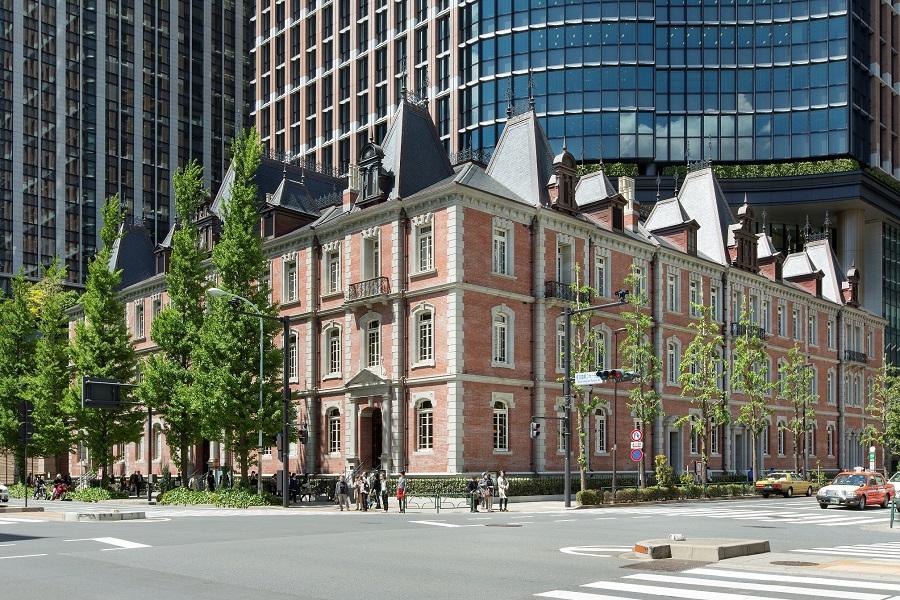 三菱一号館美術館は、三菱が1894年に建設した赤煉瓦造りの三菱一号館を復元した建物