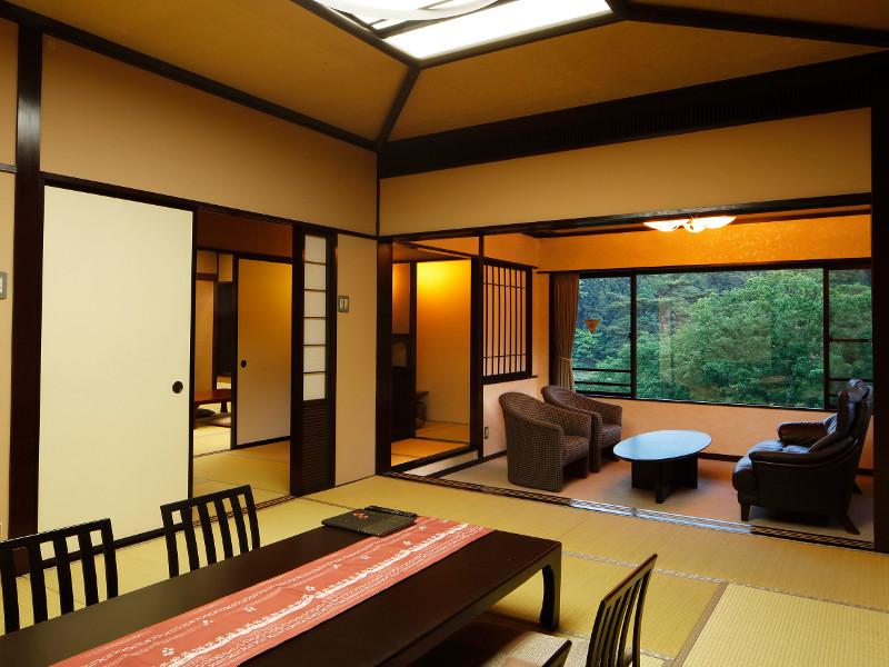 春の花見館の特別室は次の間付のゆったり贅沢なお部屋です。