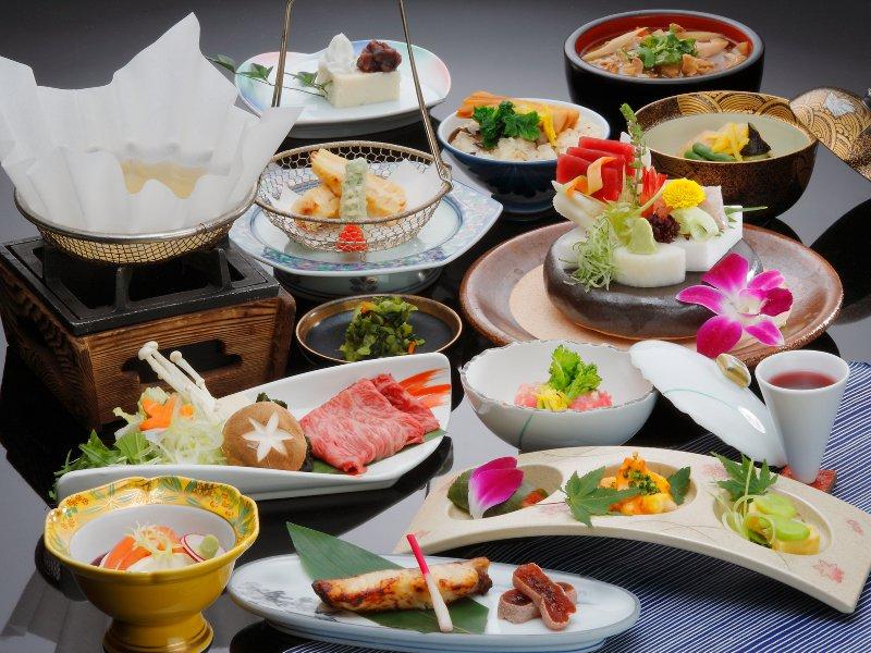 ご夕食は、「平家お狩場焼」または、「湯西川平家懐石」からチョイス可能