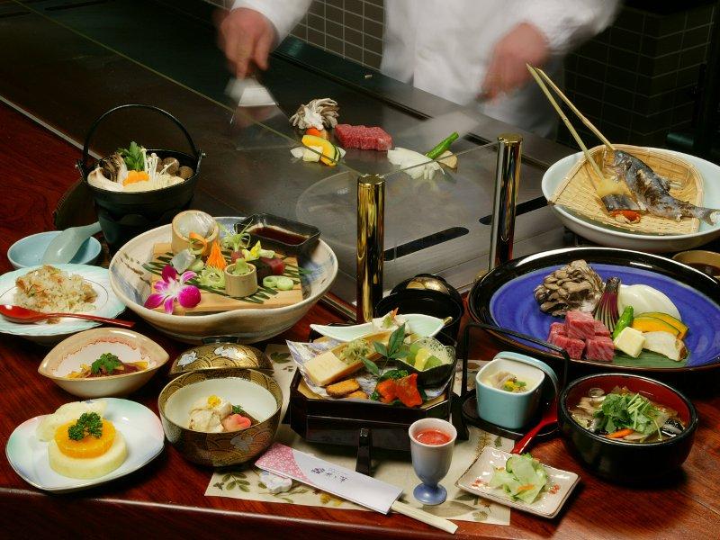 特別な日を、調理人が目の前で焼き上げる「鉄板焼会席」が華を添える