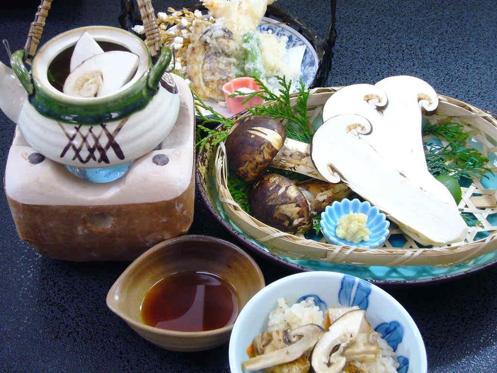 松茸懐石プランに変更となる、松茸のお料理。イメージ