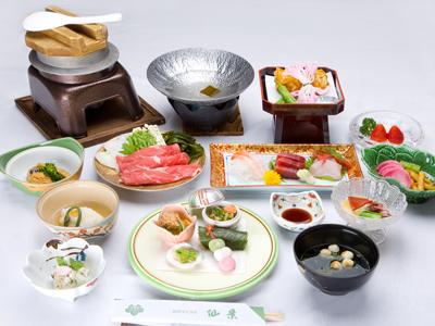 旬の食材を一番美味しいときにお召し上がり頂くため、御夕食は2ヶ月に1度料理内容を変更しております