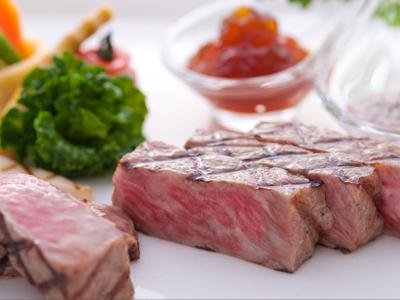 メインの肉料理が黒毛和牛のグリエに!
